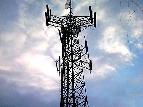 Mobiilidatan nopea kasvu vaatii lisää radiotaajuuksia. Niitä haetaan muun muassa television lähetyskaistojen välistä.