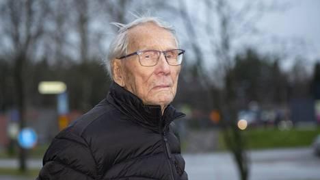 Otto Virkin päässä on yhä sirpaleita hajonneesta kranaatista. Katkeraksi hän ei kuitenkaan ole koskaan ryhtynyt.
