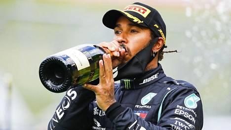 Hamilton ajoi toiseksi kauden toisessa kisassa Itävallassa.