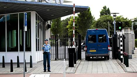 Syyriassa vierailleet YK:n asetarkastajat ovat saapuneet Hollantiin.