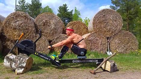 Joel Naukkarinen teki toisen maailmanennätyksen parin kuukauden sisään.