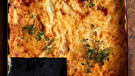 Suolainen pannari sopii suurpiirteiselle leipojalle. Lorrainen pannari saa makunsa pekonista.