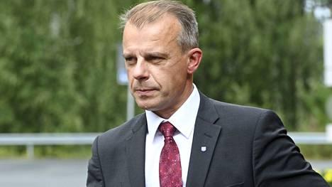 """Juha Pylväs aiheutti paljon polemiikkia kommenteillaan """"elintasosurffareista""""."""