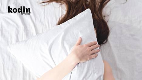 Naamassa selittämättömiä näppyjä? Syy voi löytyä sängystäsi