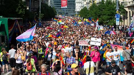 Sukupuoli- ja seksuaalivähemmistöjen marssi Budapestissa herätti kansainvälistä huomiota.