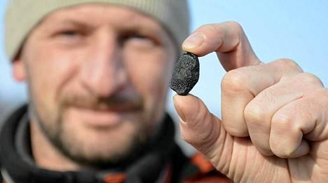 Paikalliset asukkaat ovat löytäneet pieniä meteoriitin kappaleita.