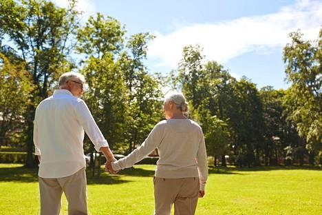 Tupakoinnin ja korkean verenpaineen on todettu nostavan riskiä sairastua SAV-vuotoon, mutta liikunnan vaikutuksista on ollut toistaiseksi vain vähän tutkimusnäyttöä.