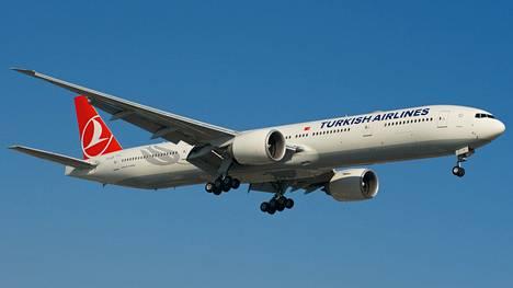 Turkish Airlinesin kone teki hätälaskun pommiuhan takia. Kuvan kone ei liity tapaukseen.