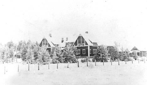 Alahärmän Voltin kylässä, seurojentalon yläkerrassa, oli Viktor Klimenkon ensimmäinen koti Suomessa.