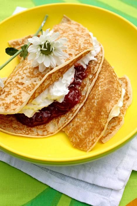 Kermavaahtoon saa uusia vivahteita, kun maustat sen vaniljalla, appelsiinikuorella tai kanelilla.