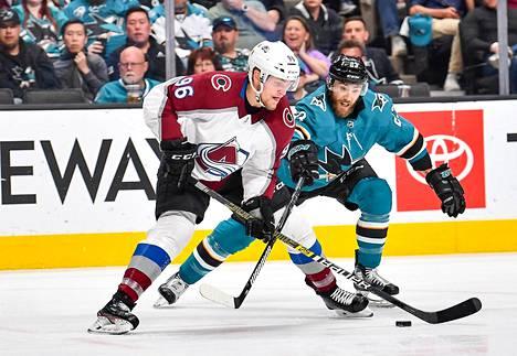 Mikko Rantanen (vas.) on jo 24-vuotiaana NHL:n parhaita laitahyökkääjiä.