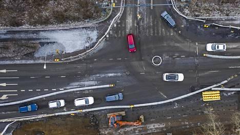 Suomessa tieliikenteen verotaso on autoa kohden laskettuna peräti noin 60 prosenttia Ruotsia korkeampi.