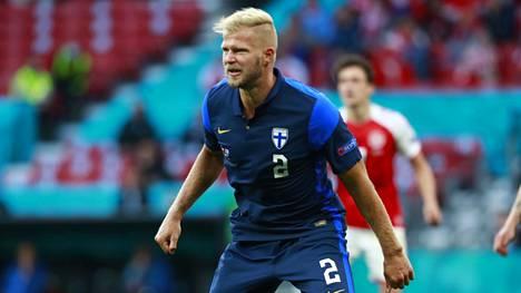 Tanskaa vastaan lauantaina Suomi pelasi vierasasussa. Kuvassa Paulus Arajuuri.