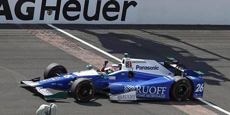 Takuma Sato voitti 101. kerran ajetun Indianapolis 500 -kisan.