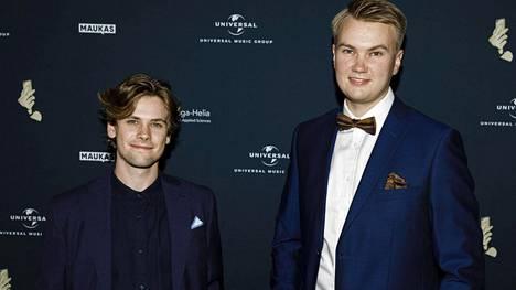 Miikka O'Connor ja Emil Rantatulkkila perjantaina Creator Awards Finland -gaalassa.