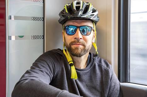 Kimmo Kotamäki pitää maskisuositusta hyvänä asiana, mutta ei ole vielä itse pitänyt maskia.