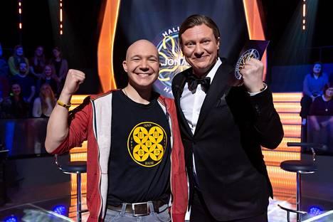 30000 euroa voittanutta Matiasta hymyilytti.