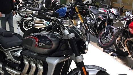 Traficomin liikenneasioiden rekisterissä oli vuoden 2020 lopussa 281 277 moottoripyörää.
