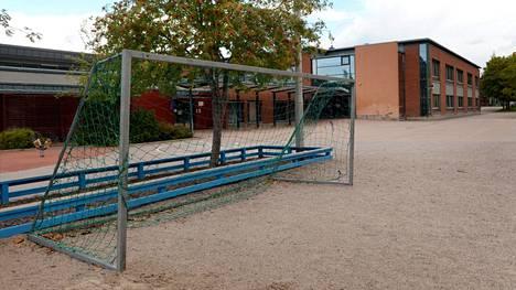 Oppilas sai sairauskohtauksen liikuntatunnilla Espoossa Tiistilän koululla.
