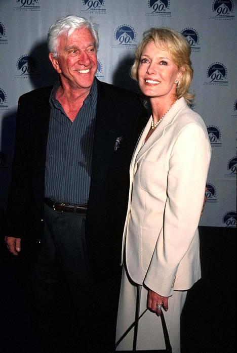 Leslie Nielsen ja vaimo Barbaree Earl.