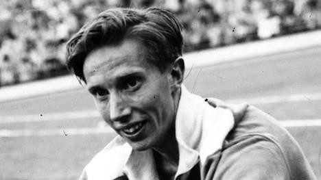 Tauno Kontio osallistui EM-kisoihin 800 metrille vuonna 1954 Bernissä.