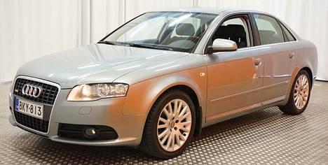 Uusikorinen ja 252 000 kilometriä ajettu, etuvetoinen Audi A4 Sedan 1.8 TFSI 118kw Business Multitronic-automaatti oli myynnissä Lapin Laatuautoissa Rovaniemellä. Hintapyyntö 160-hevosvoimaisesta ja etuvetoisesta bensasedanista oli 10 900 euroa: siis täsmälleen sama kuin samanikäisestä, mutta lähes 60 000 kilometriä vähemmän ajetusta ja 200-hevosvoimaisesta vanhanmallisesta Audi A4-bensasedanista Tampereella.