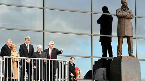 Pitkäaikaisen ManU-managerin Alex Fergusonin patsas julkistettiin tänään Manchesterissa.
