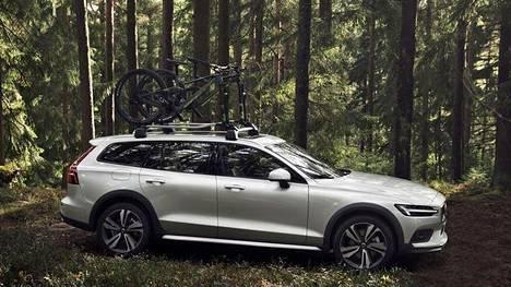 Jos metsään haluat mennä nyt... Volvo V60 sai lisää maavaraa