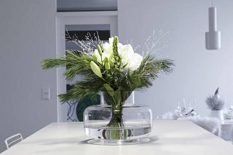 Havut säilyttävät elinvoimansa pitkään. Kimppuun tarvitsee vaihtaa vain kukat sitä mukaa kun ne kuihtuvat.