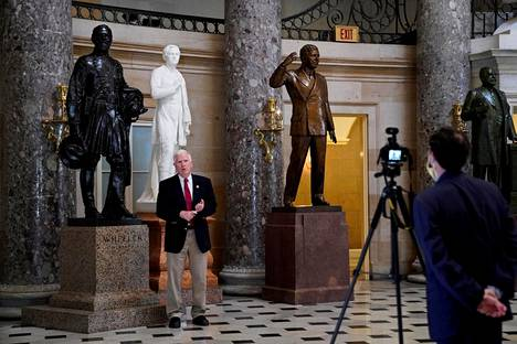 Vastalausehankkeen johdossa on republikaanien takapenkkiläinen, Alabaman edustaja Mo Brooks.