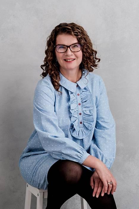 Psykologi ja kouluttajapsykoterapeutti Minna Martin.