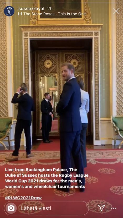 Herttuaparin Instagram-tilillä julkaisiin paljonpuhuva video.