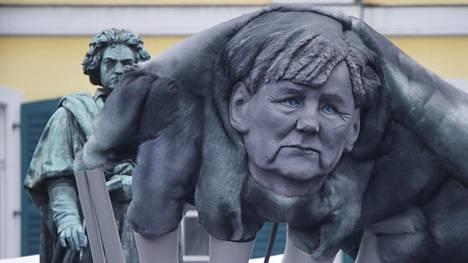 Suomalaisasiantuntija: Saksan vakaa hallitus on EU:n elinehto