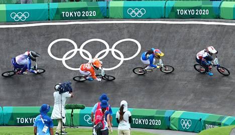 Britannian Bethany Shriever voitti naisten kisassa olympiakultaa.