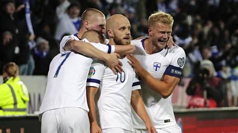 Huuhkajat aloittaa pelit EM-kisoissa Tanskaa vastaan. Kuva marraskuun Liechtenstein-pelistä.