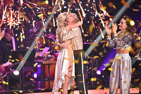 Ennakkosuosikit Christoffer ja Jutta voittivat Tanssii tähtien kanssa -kilpailun.