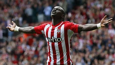 Sadio Mané on saanut tuulettaa Aston Villaa vastaan jo kolmesti.