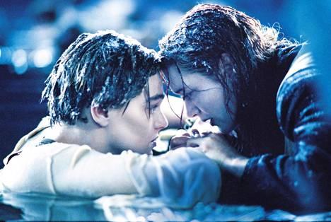 Tämä kohtaus on yksi Titanicin kiistellyimpiä.