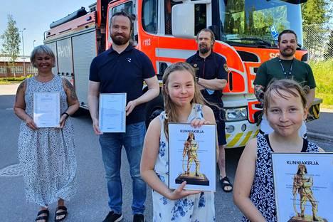 Päivi Jouko (vas.), Aleksi Lavikainen, Hertta Ryhänen ja Vilma Hänninen olivat ratkaisevissa rooleissa, että 4-vuotiaan tytön henki saatiin pelastettua.