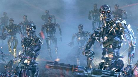Esimerkiksi Terminator 3: Koneiden kapina -elokuvassa robotit kävelivät vaivattomasti kahdella jalalla epätasaisessa maastossa. Todellisuudessa nykypäivän robotit ottavat vaivalloisesti vasta ensimmäisiä askeliaan kivenlohkareiden yli.