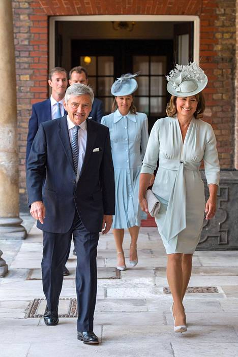 Middletonit prinssi Louis'n kastejuhlassa.