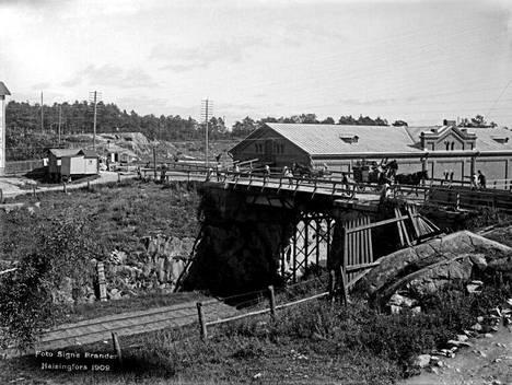 6. Hämeentien silta vuonna 1909.