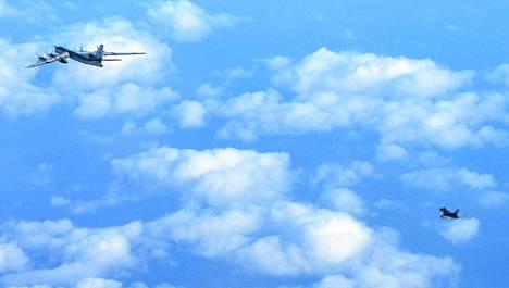 Latvialainen lentokone käytti keskiviikkona luvatonta reittiä Ison-Britannian ilmatilassa. Perjantaina venäläinen lentokone lähestyi Ison-Britannian ilmatilaa (kuvassa).