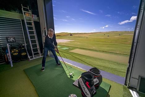 Ennen kuin Toskovic sai tehtäväkseen suunnitella Tapiola Golfin klubitalon, hän ei tiennyt golfista mitään. Projekti sai hänet hurahtamaan lajiin.