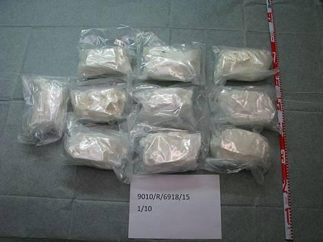 Amfetamiinia löytyi kaikkiaan 104 kiloa.
