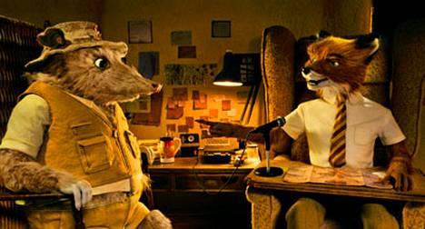 Kettuherra Fox hankkii elantonsa toimittajana.