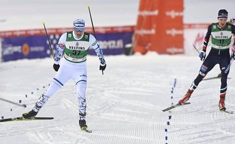 Hannu Mannisen (vas.) hiihtoaika oli suomalaisista paras ja koko kisan neljänneksi nopein.