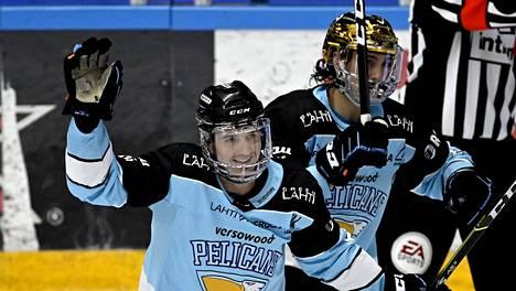 Rudolf Cerveny ja kultakypärä Hannes Björninen osuivat kumpikin Pelicansin murskavoitossa.