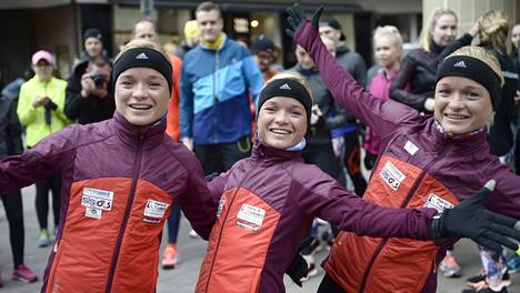 Lily, Liina ja Leila Luik menevät muilta sekaisin joskus Virossakin.