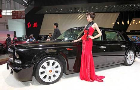 Hongchi eli Punalippu on Kiinan oma loistoautomerkki. Uusin versio L5 esiteltiin Pekingin autonäyttelyssä.